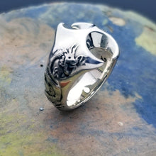 Load image into Gallery viewer, Gorgeous large silver dragon ring