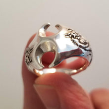 Load image into Gallery viewer, Chinese double dragon large silver ring