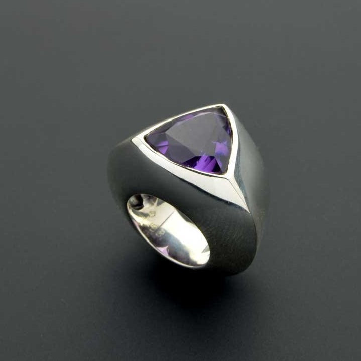 Triangular dome amethyst ring