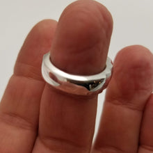 Load image into Gallery viewer, Back of infinity silver ring