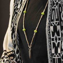 Indlæs billede til gallerivisning Pinole iron pendant with California green beads