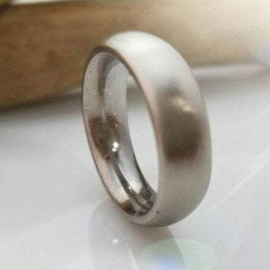 Unique iron ring with round edges