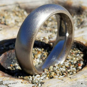 Fat and round iron ring