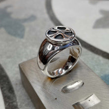 Load image into Gallery viewer, Malta cross silver signet ring