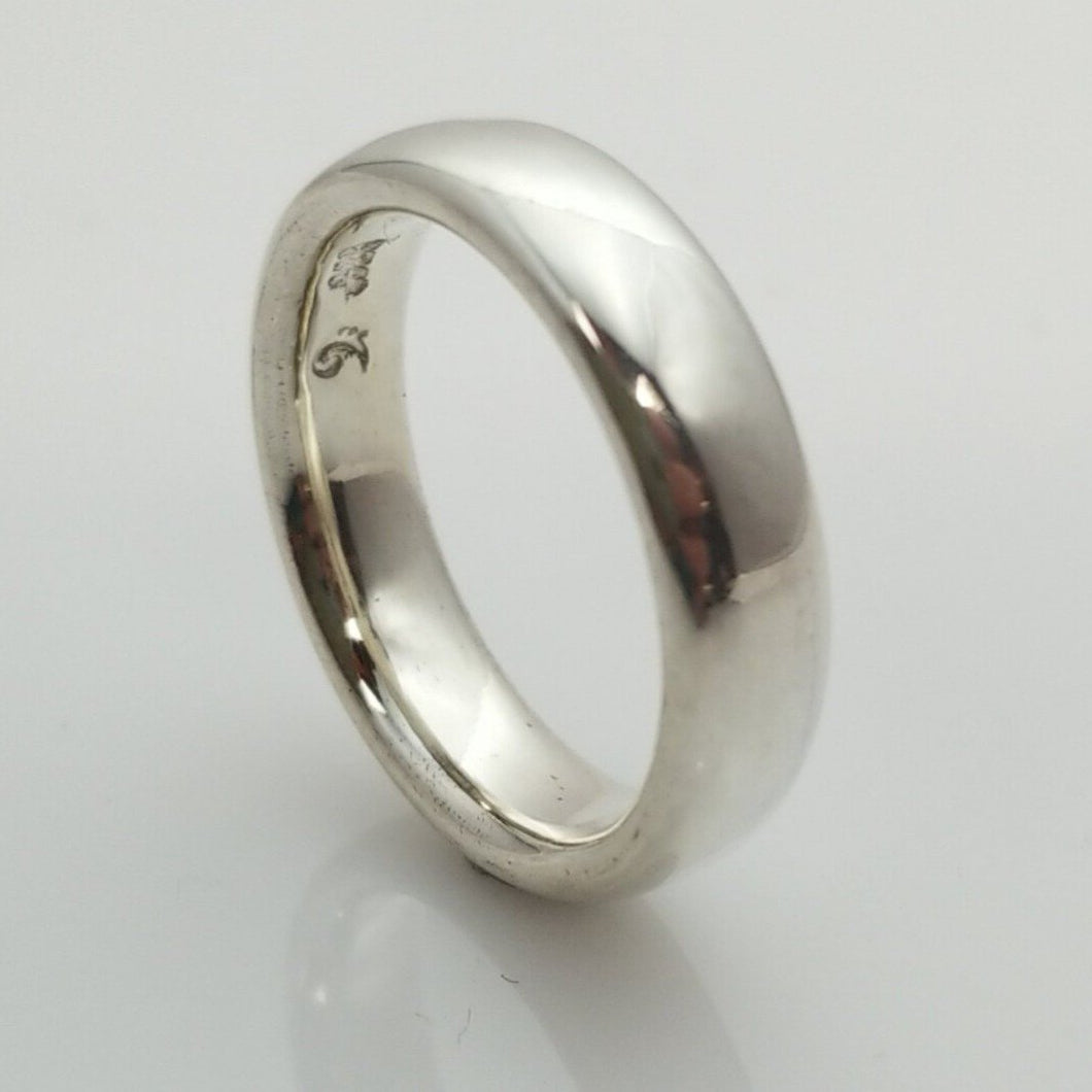 doughnut shape silver band