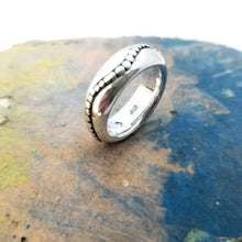 Load image into Gallery viewer, Large art sterling silver ring