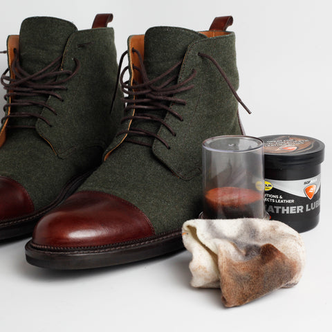 jack boots with leather cleaner and cloth