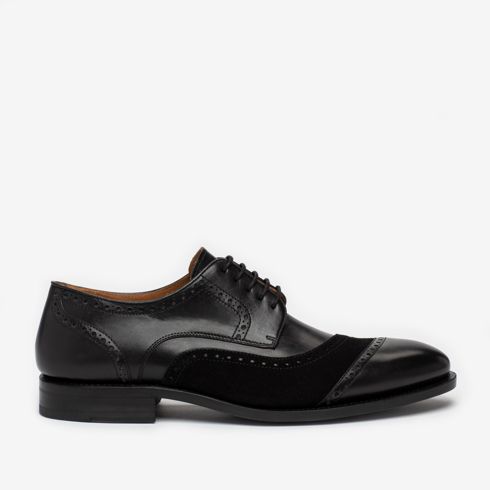 The Gladiator Shoe in Black