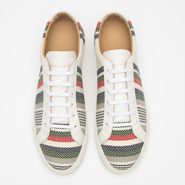 Sneaker in Stripes top view