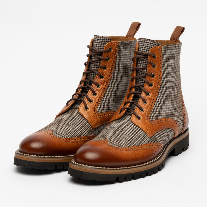 The Holt Boot in Honey