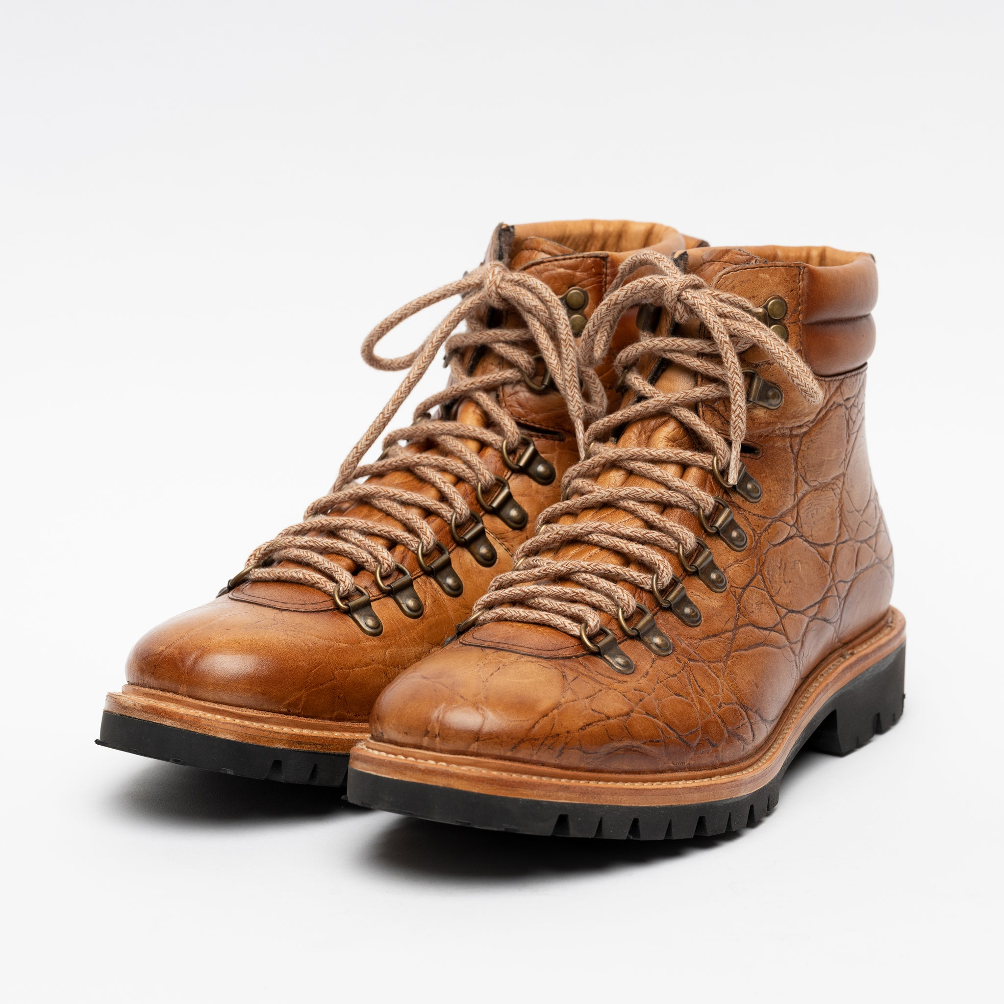 Viking Boot in Cedar angle view