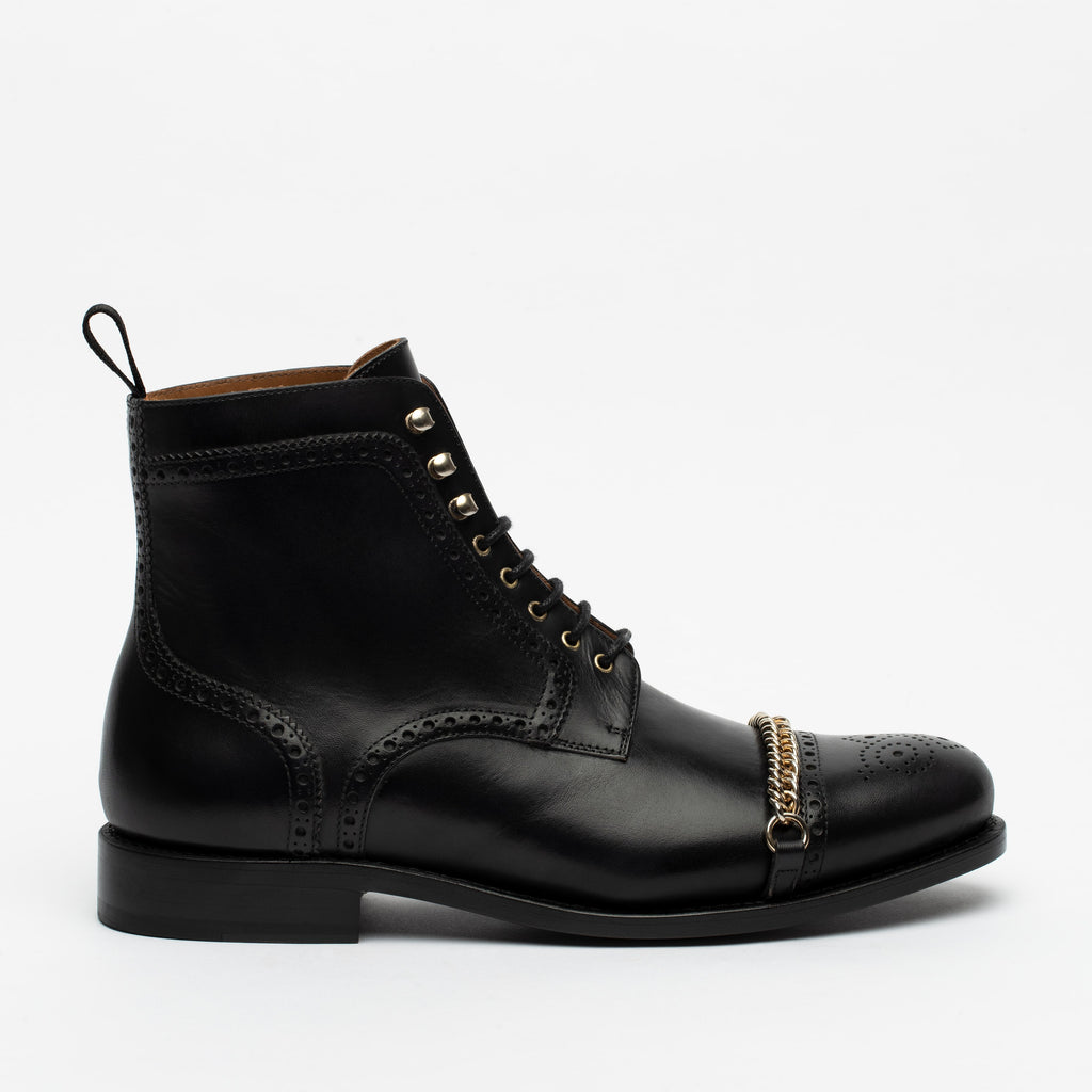 The Grail Boot in Black