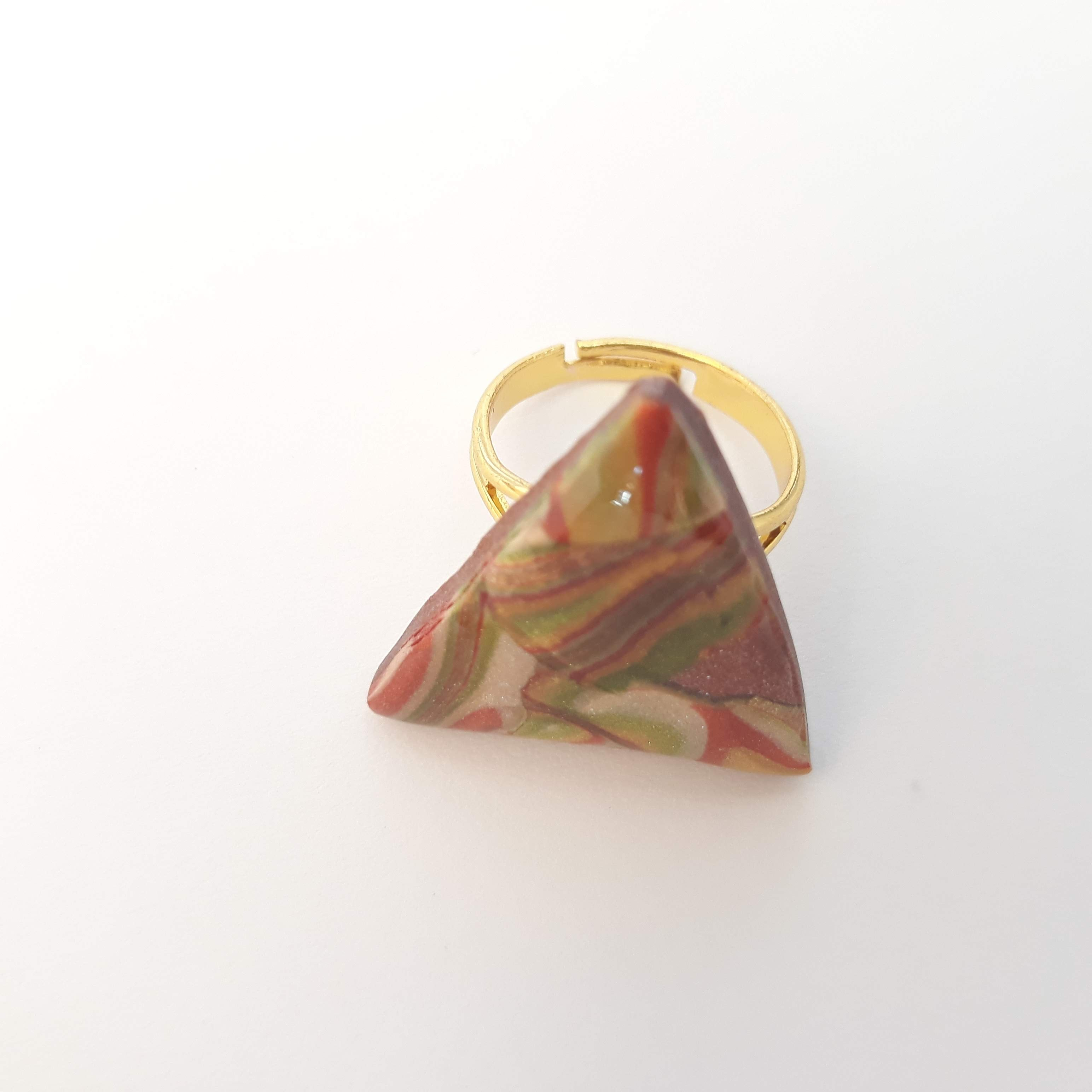 Ikigai_Art_Bisuteria_Anillo_Triangulo_Gold_Multicolor