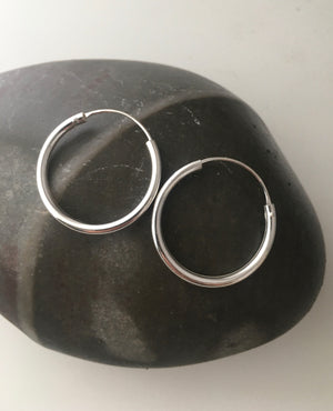 Silver 2.5cm Hoop Earrings (3mm Width)