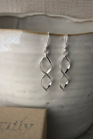 Silver Elegant Twist Earrings