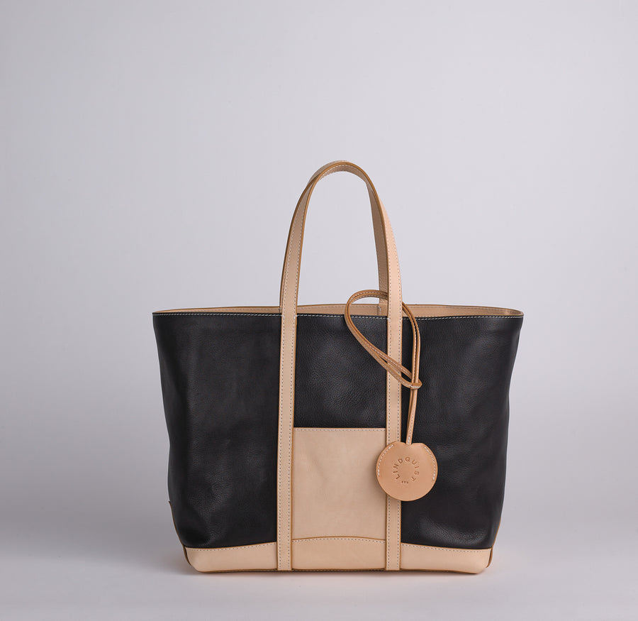 Chelito Tote I in Black