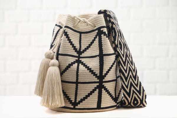 Chila Bags Cris handwoven diamond-patterned bucket bag, stone/black profile
