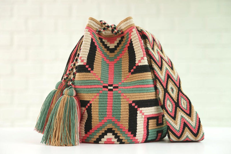 Chila Bags Formentera handwoven patterned bucket bag, profile