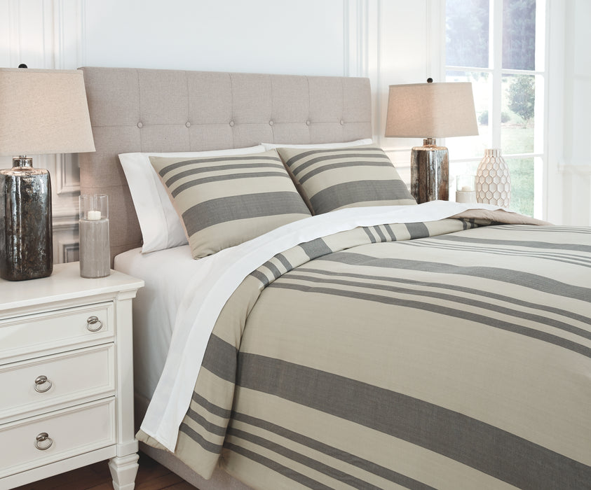 Schukei Signature Design by Ashley Comforter Set Queen image