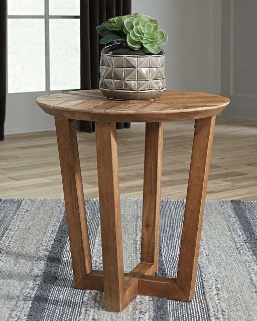 Kinnshee Signature Design by Ashley End Table image