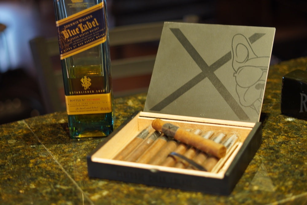 Load image into Gallery viewer, Renegade X Anniversary Cigar Box(10ct)