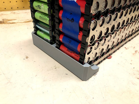 Lithium ion battery assembly custom-printed holder