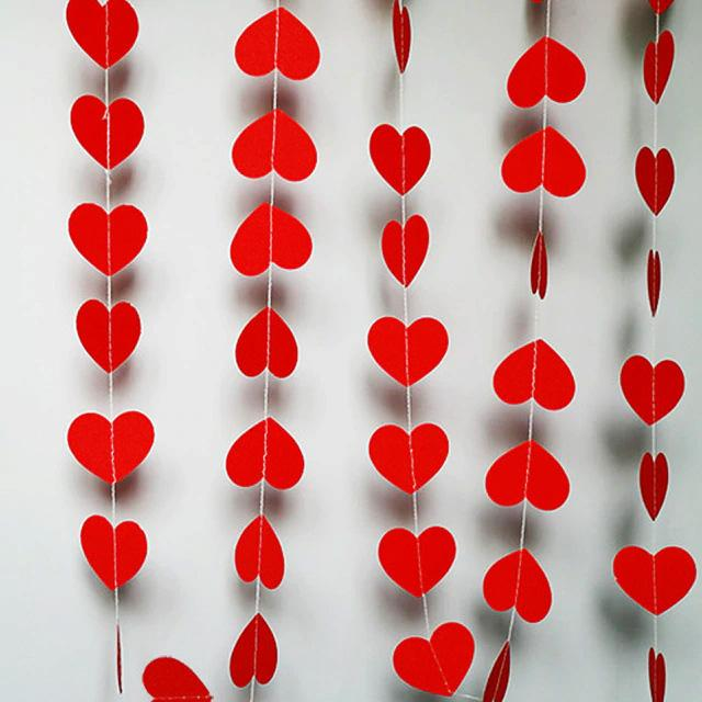 CLOSEOUT Red ♥ Heart Shaped Valentine's Day Paper Vertical Garland Banner (10FT) - Luna Bazaar | Boho & Vintage Style Decor