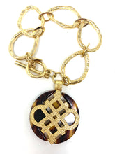 Load image into Gallery viewer, Chunky Golden Chain Bracelet With Large Tortoise Shell Charm