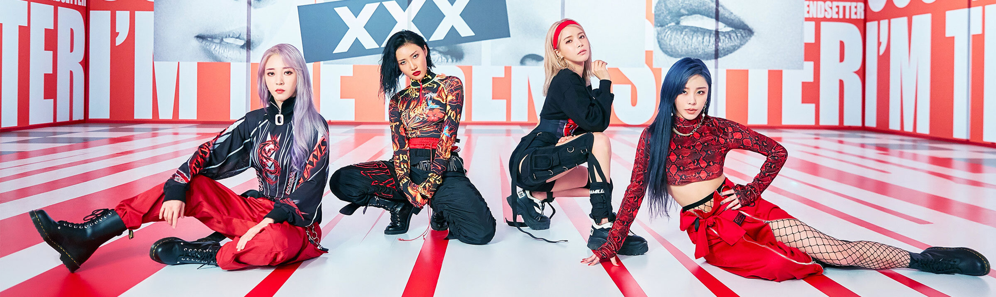 mamamoo reality in black hip poster