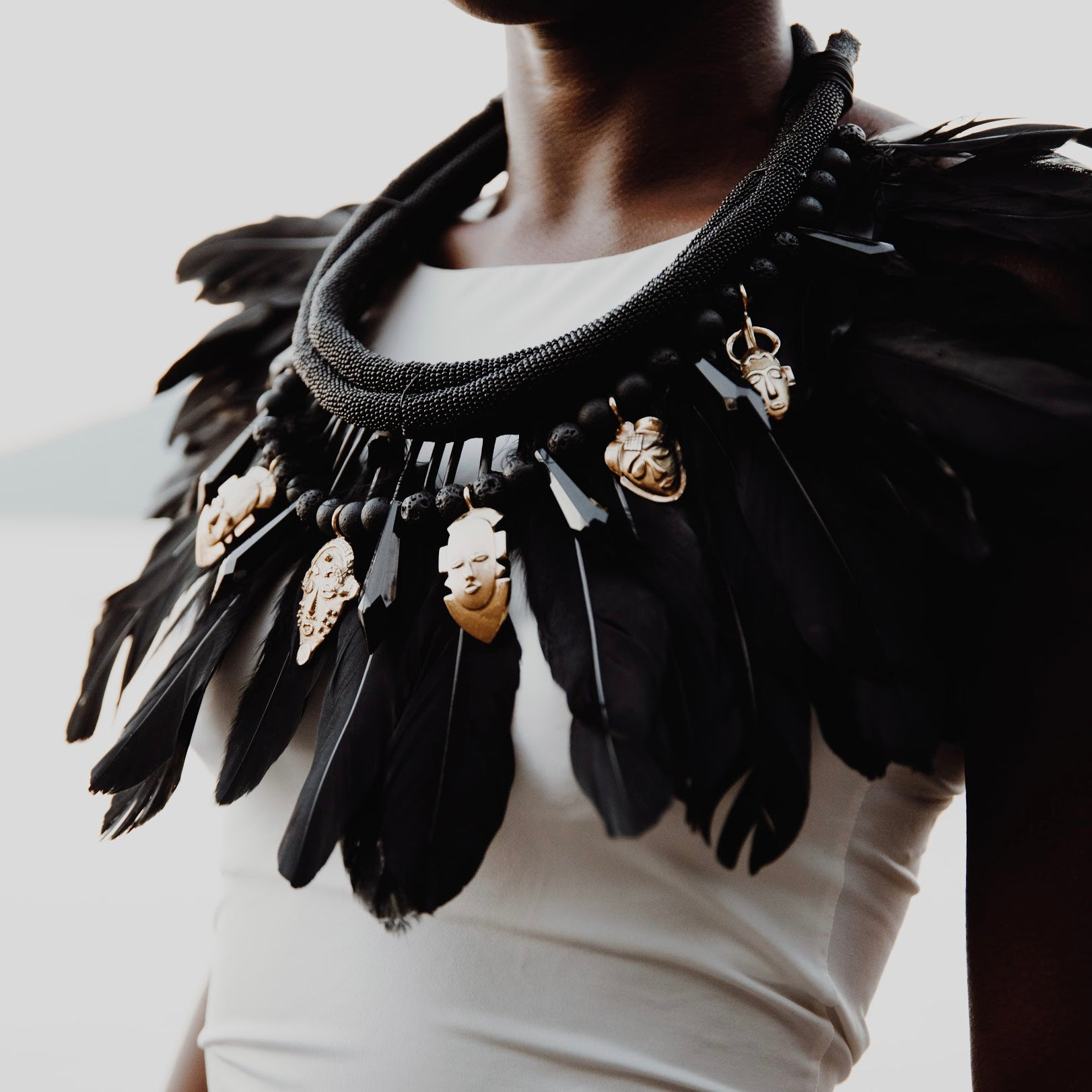 MASK FEATHER COLLAR PIECE