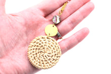 Load image into Gallery viewer, Rattan Gold Circle Necklace