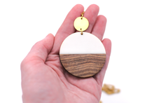 Load image into Gallery viewer, White Resin & Wood Circle Gold Necklace
