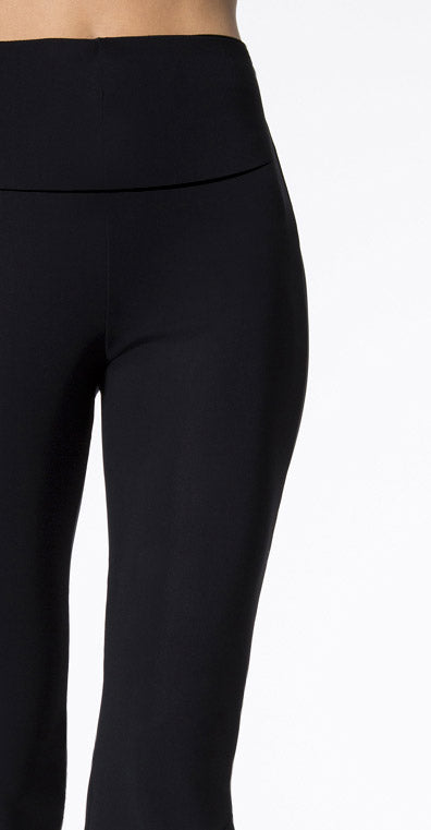 Extra Strong Compression Cropped Leggings with Figure Firming and Big Frill Black