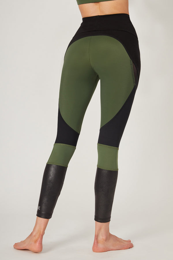 Medium Compression Leggings with Streamline Panel Khaki