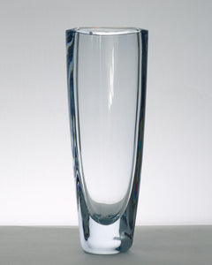 Blue clear flower vase
