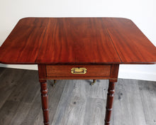 Load image into Gallery viewer, Good quality mahogany Pembroke table