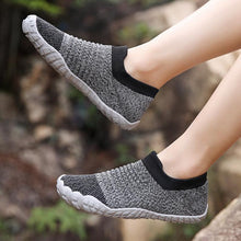 Lade das Bild in den Galerie-Viewer, Frauen Casual Outdoor Large Round Toe Mesh Slip On Flache Schuhe