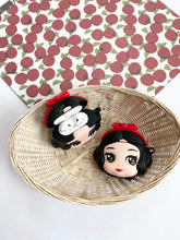 Load image into Gallery viewer, Snow White Cartoon Character 3D Silicone Airpod Case Gen 1/2 with Keychain