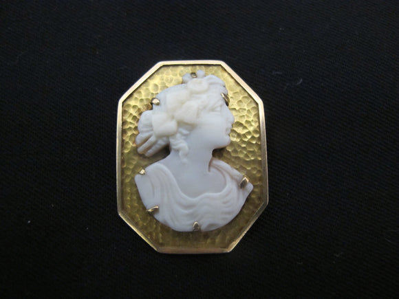 EDWARDIAN Female Hand Carved 14k Yellow Gold Octagonal CAMEO Brooch Pin