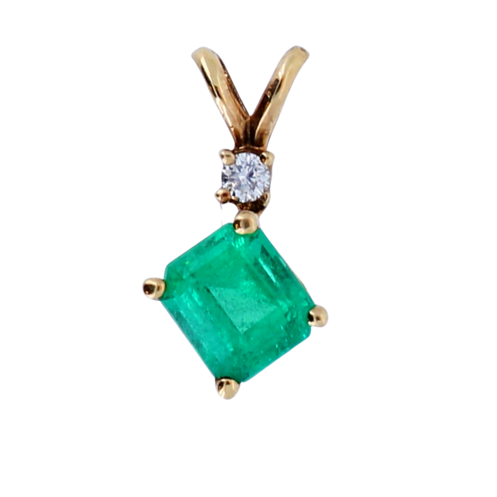 14k Yellow Gold Pendant with .68ct Emerald and .02ct diamonds