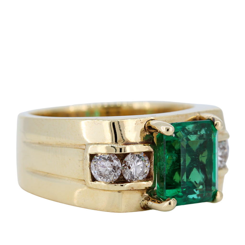 Men 14k Yellow Gold Ring with 5.34ct Emerald and .89ct diamonds