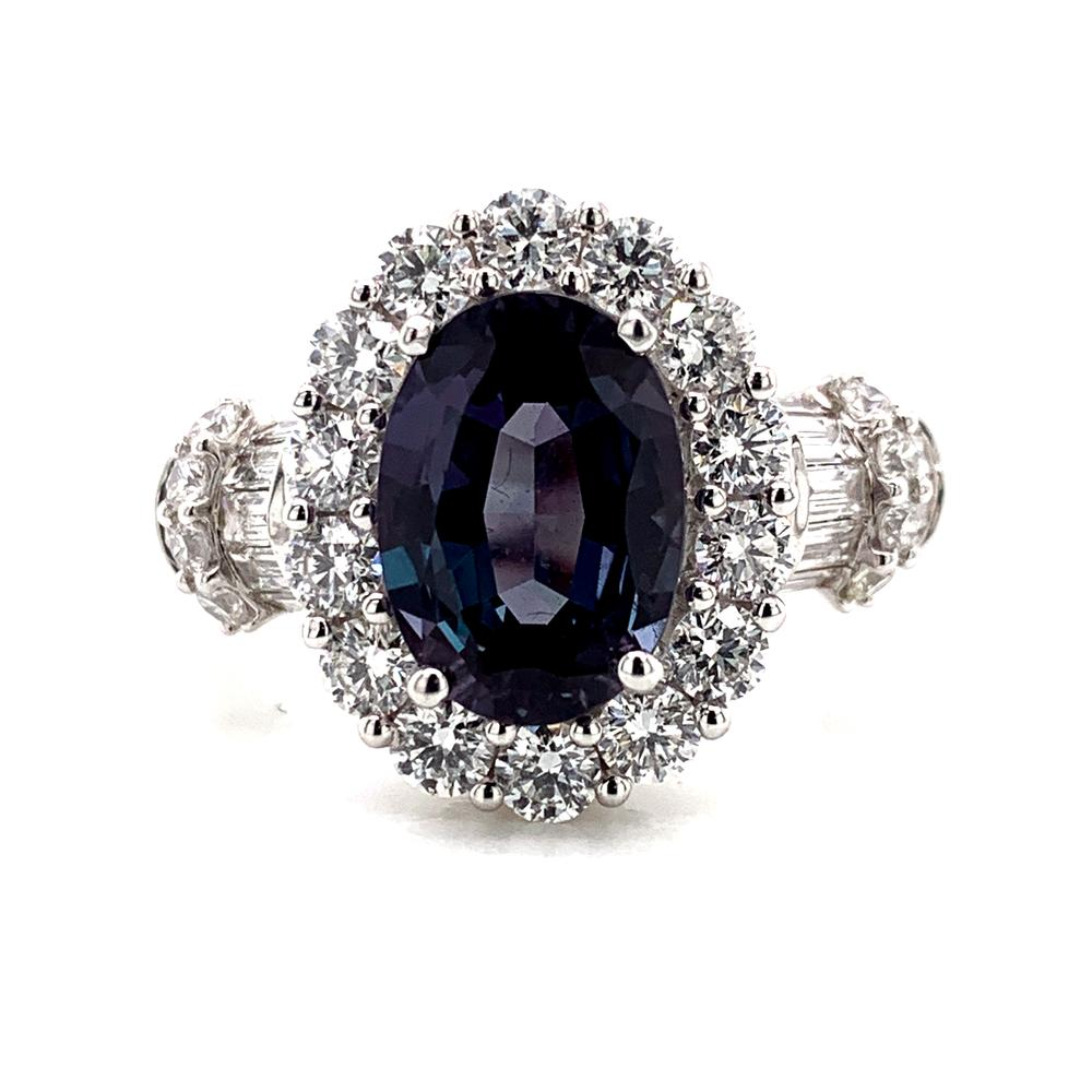 18kt White Gold gold ring with a Gubelin certified Brazilian alexandrite
