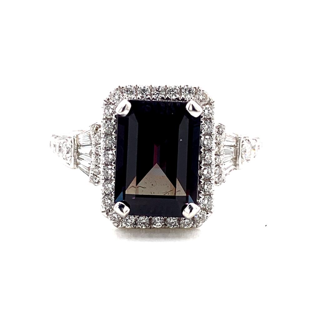 18kt White Gold gold ring with a CDC certified Brazilian alexandrite