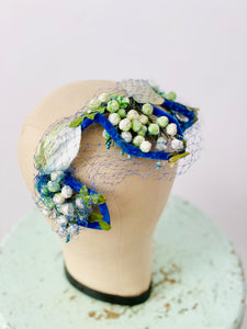 Vintage 1930s fascinator green velvet millinery flowers