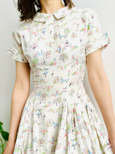 Load image into Gallery viewer, Vintage 1940s novelty print cotton dress pastel colors