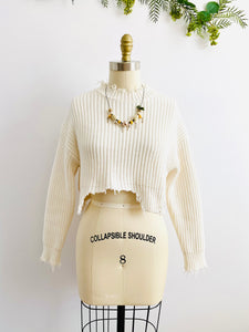 Vintage distressed hem white cropped sweater fringed top