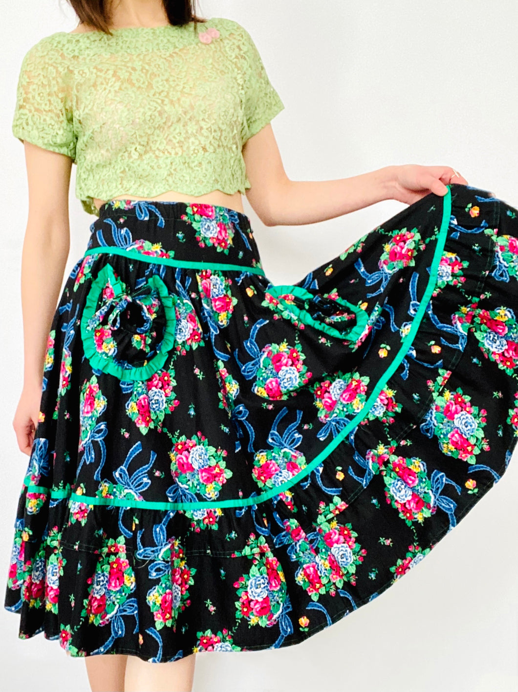 Vintage 1950s Novelty Print Floral Skirt with Heart Shaped Pockets