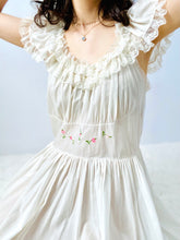 Load image into Gallery viewer, Vintage 1940s white cotton dress with ruffled lace and embroidery