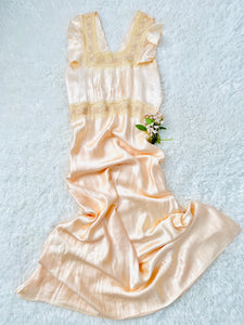 Vintage 1930s peach color silk lace satin lingerie slip dress