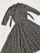 Load image into Gallery viewer, Vintage 1950s Novelty Heart Print Floral Dress w Neck Ties